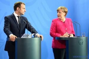 Меркель і Макрон обговорюють роботу в Нормандському форматі