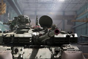 Ukrainian army to get Oplot tanks this year - Poroshenko