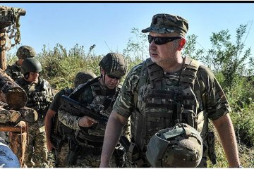 Russia concentrates troops on border with Ukraine for possible offensive actions – Turchynov