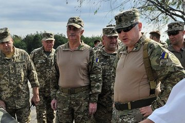 Turchynov arrives in Joint Forces Operation area because of aggravation of situation