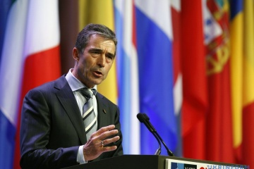 Rasmussen: NATO countries could and should provide Ukraine with defensive equipment