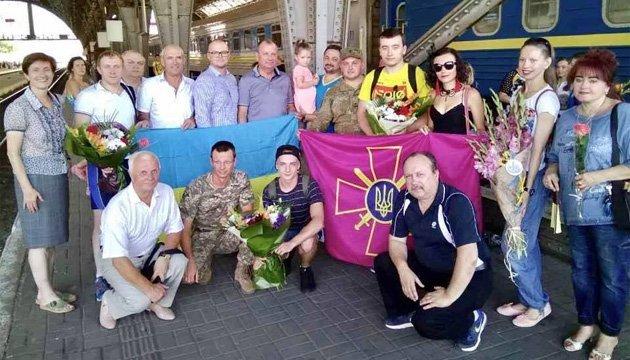 Призеров чемпионата Европы по пулевой стрельбе торжественно встретили во Львове