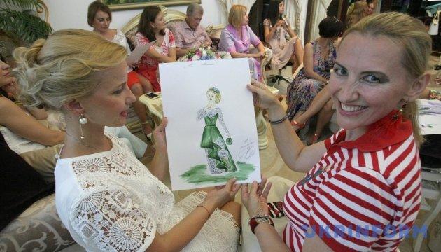 Сукні-квіти: Український модний дім готує рекорд на Віденському балу в Києві