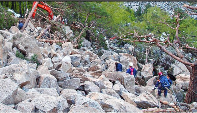 Семеро украинцев попали под камнепад в горах Северной Осетии