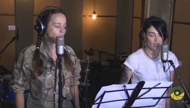 В проекте «Песни войны» спели Приходько с военным медиком Зубенко