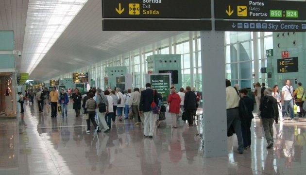 Правоохоронці аеропорту Барселони оголосили безперервний страйк
