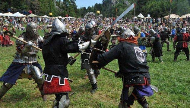 Парубий посетил фестиваль украинской средневековой культуры