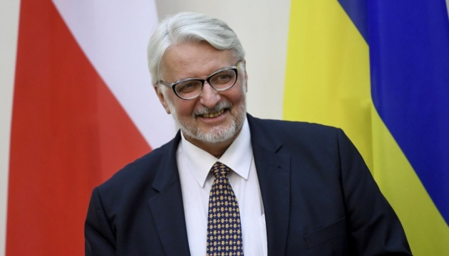 Poland to issue about a million work permits to Ukrainians this year