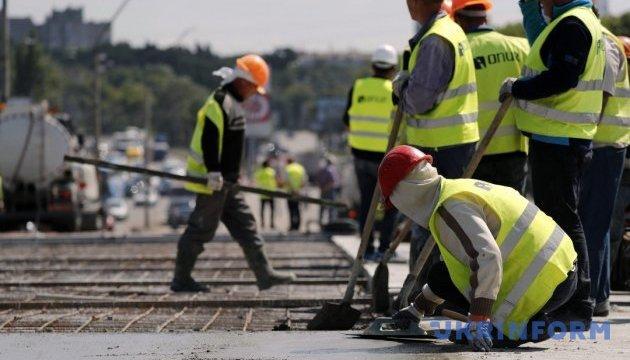 Порошенко: На будівництво доріг цьогоріч витратять 20 мільярдів, в 2018 — 30