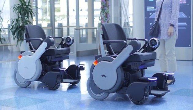 В японському аеропорту запустять безпілотні інвалідні візки