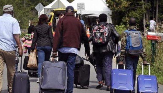 США отправляют обратно в Мексику первую группу просителей убежища