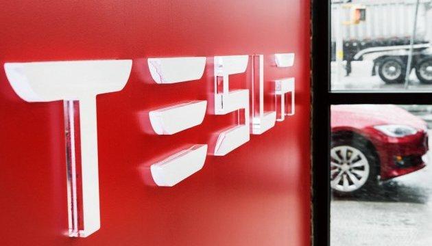 На заводах Tesla встановили криптовалютні банкомати – ЗМІ
