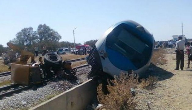 Аварія потягів у Єгипті: загиблих вже 15, поранених — 40