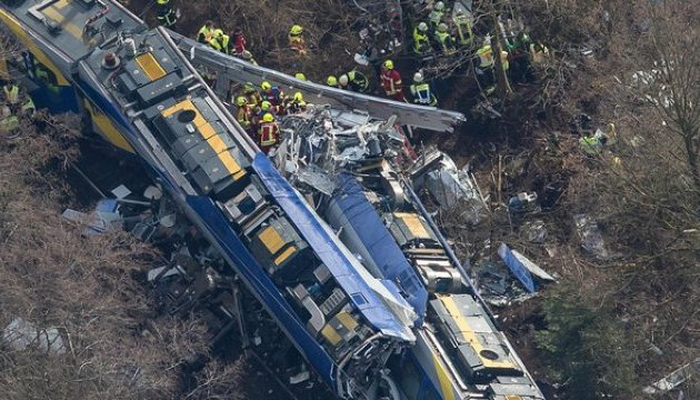 У Кореї зійшов із рейок пасажирський потяг, є постраждалі