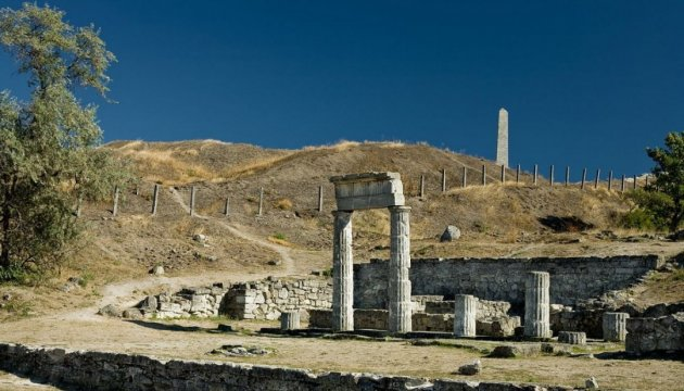 У Керчі горіли руїни античного Пантікапею