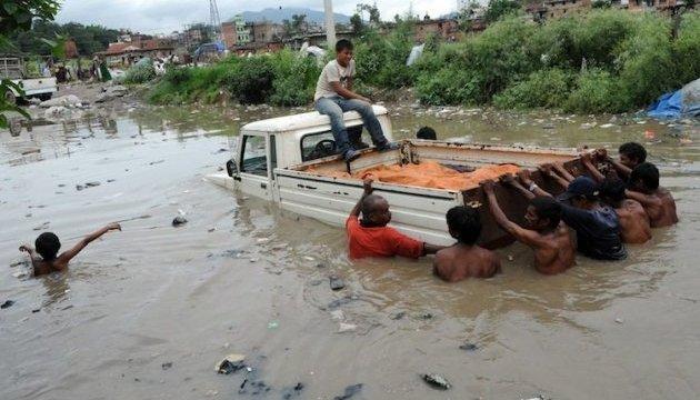У Непалі через шторм майже 30 людей загинули, понад 600 - постраждали