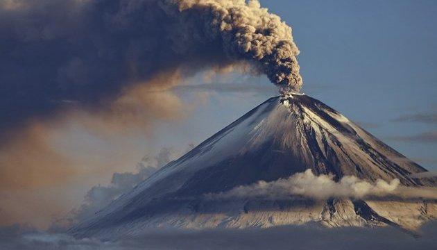 На Сицилії прокинувся найактивніший вулкан Європи