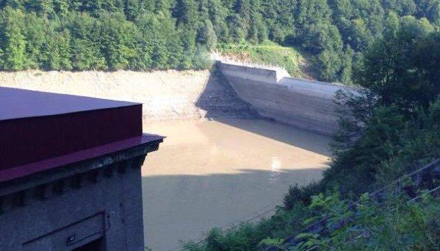 Москалю набридло викликати водолазів та Нацгвардію, щоб чистили річки Закарпаття