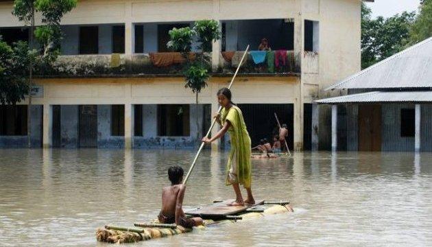 Кількість жертв повеней в країнах Південної Азії досягла 700 осіб