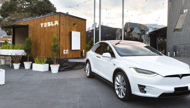 Міні-будинок Tesla проїде Австралією з екопрограмою