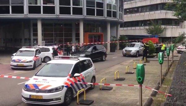 Голландська поліція арештувала бандита, який утримував заручницю на радіостанції