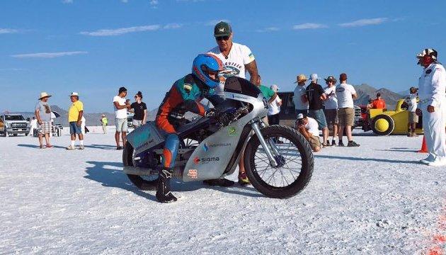 Українські мотогонщики побили світовий рекорд у США