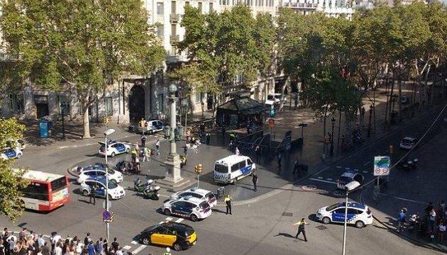 У Барселоні фура в'їхала у натовп: десятки поранених