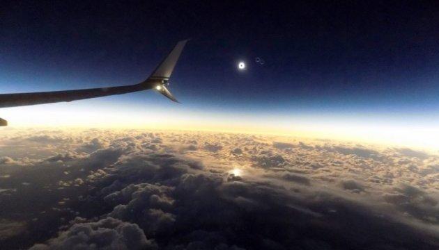 У США створили спецрейс для спостереження за сонячним затемненням
