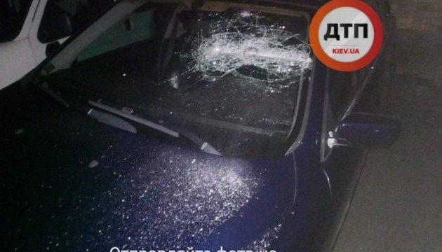 В Киеве бандиты с битами похитили человека: полиция рассказала подробности