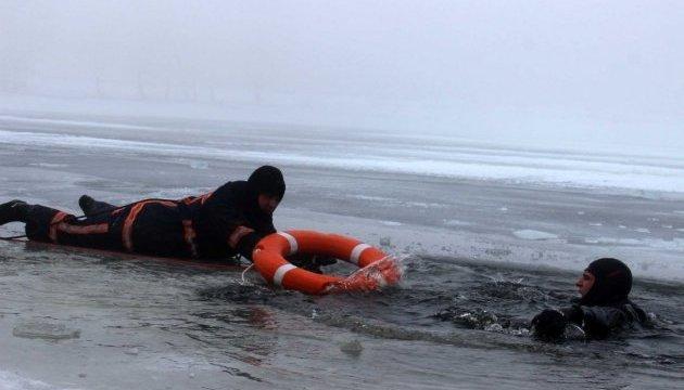 Біля узбережжя Маріуполя потрапила в аварію яхта