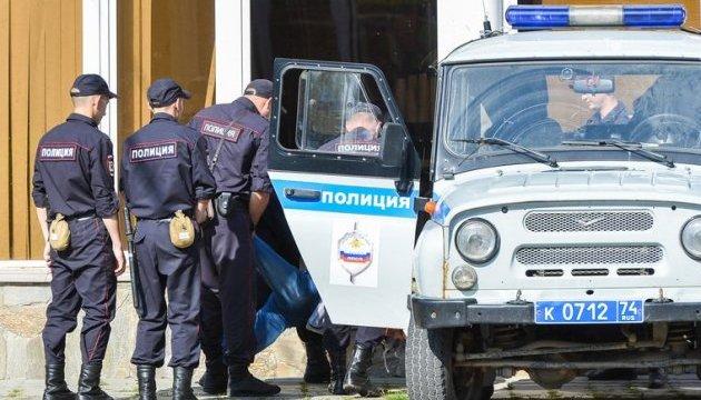 Чоловік з ножем напав на перехожих у Сургуті, восьмеро поранених