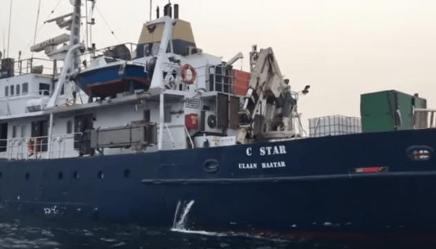 Мальта не впустила судно правих екстремістів, які перешкоджали порятунку мігрантів