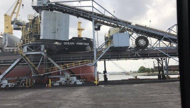 США відправляють в Україну першу партію вугілля
