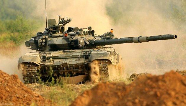 НАТО направить експертів на військові навчання