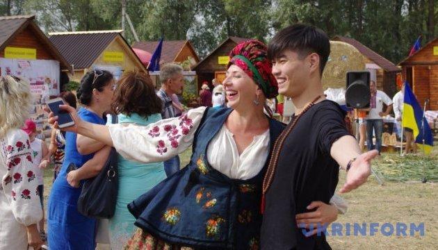 Сорочинський ярмарок відвідали вже понад 10 тисяч осіб