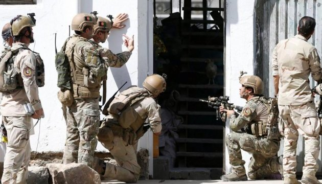 Напад на мечеть у Кабулі: вже 14 загиблих, відповідальність узяла ІДІЛ