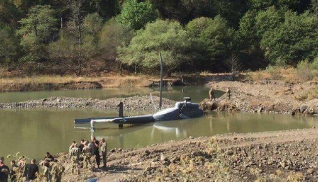 У Боржомському лісі під час гасіння пожежі вертоліт впав в ущелину