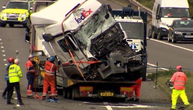 Смертельне ДТП під Лондоном: водіїв обох фур звинуватили у необережності