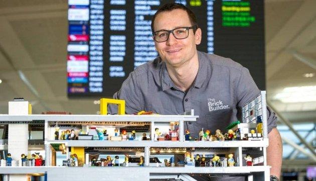 В аеропорту Брісбена навчать будувати арт-об'єкти з Lego