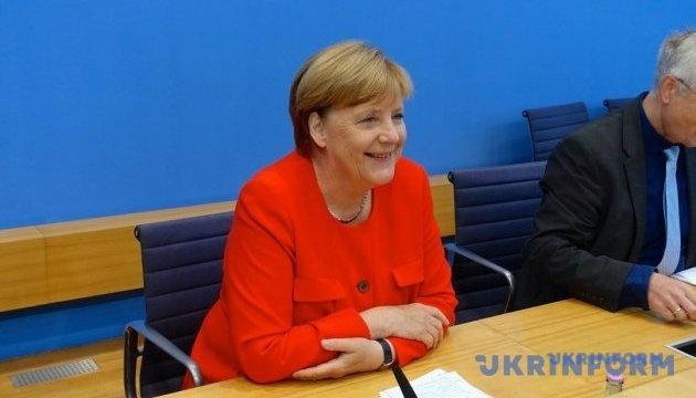 Меркель сподівається завершити попередні коаліційні переговори до 16 листопада