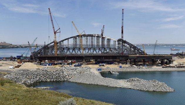 Керченский мост могут разрушить подводные течения и ледоход - командующий ВМС Украины