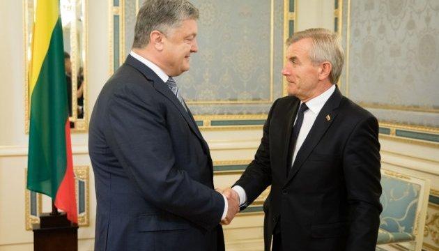 """Порошенко и спикер парламента Литвы обсудили """"план Маршалла для Украины"""""""