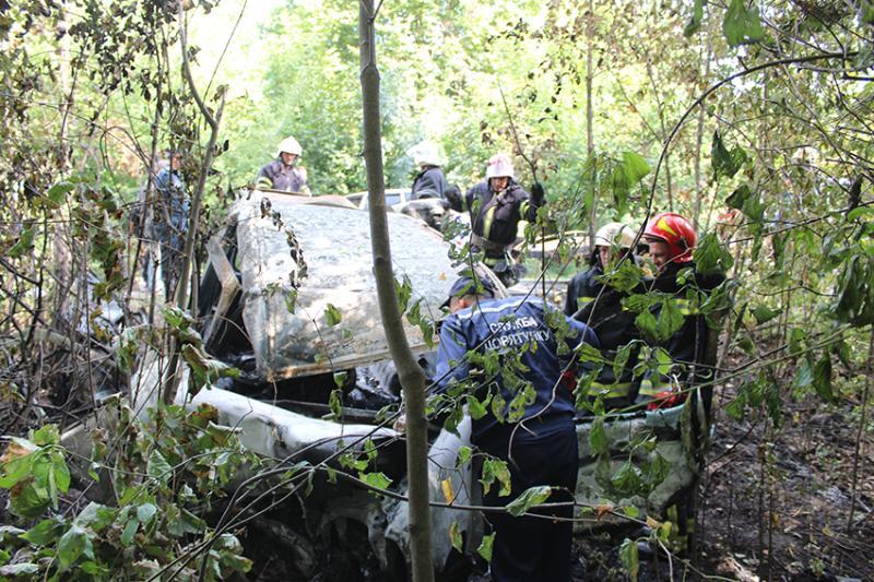 ВХмельницкой области столкнулись два автомобиля: погибли четверо