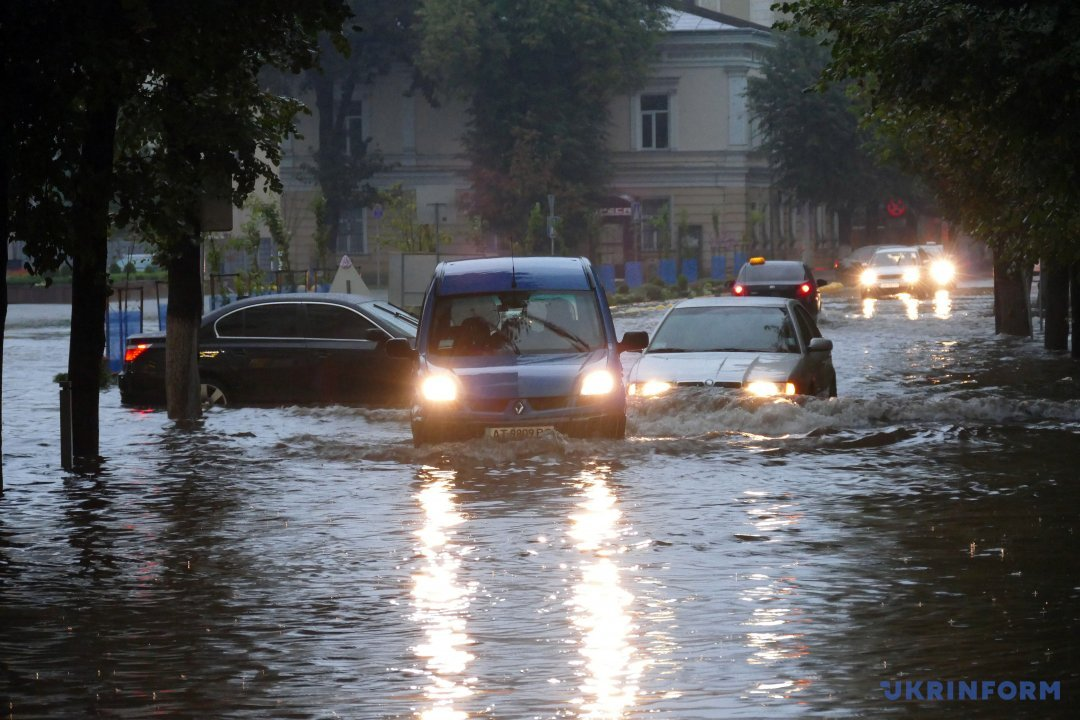 """""""Щоб центр міста не топило після злив, потрібно 85 мільйонів"""", – Вітенко"""