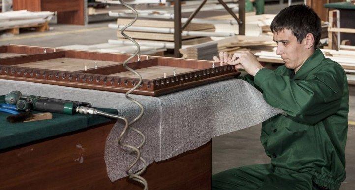 Виробництво меблів на українській фабриці Merx // Фото: merx.ua