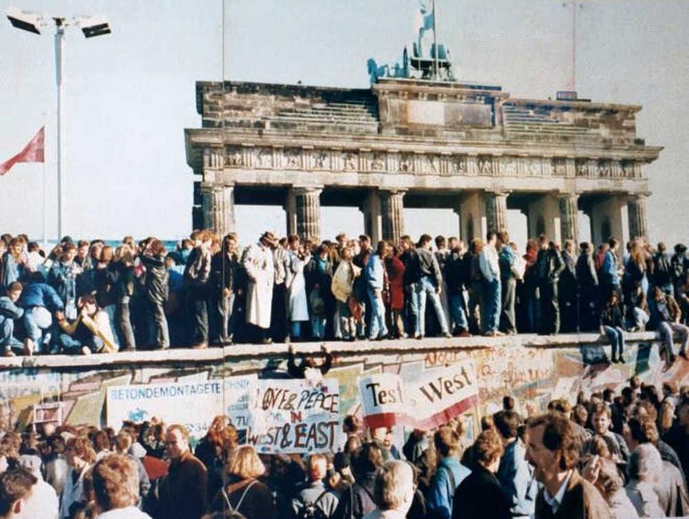 Падение Берлинской стены, 1989 год. Фото: Wikipedia