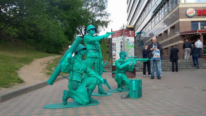 В Минске прошел «перфоманс зеленых человечков»