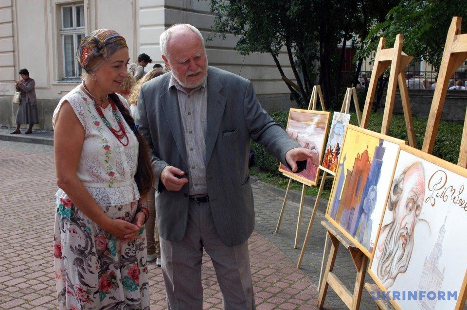 Заслуженный художник Украины, график и иллюстратор Евгений Удин