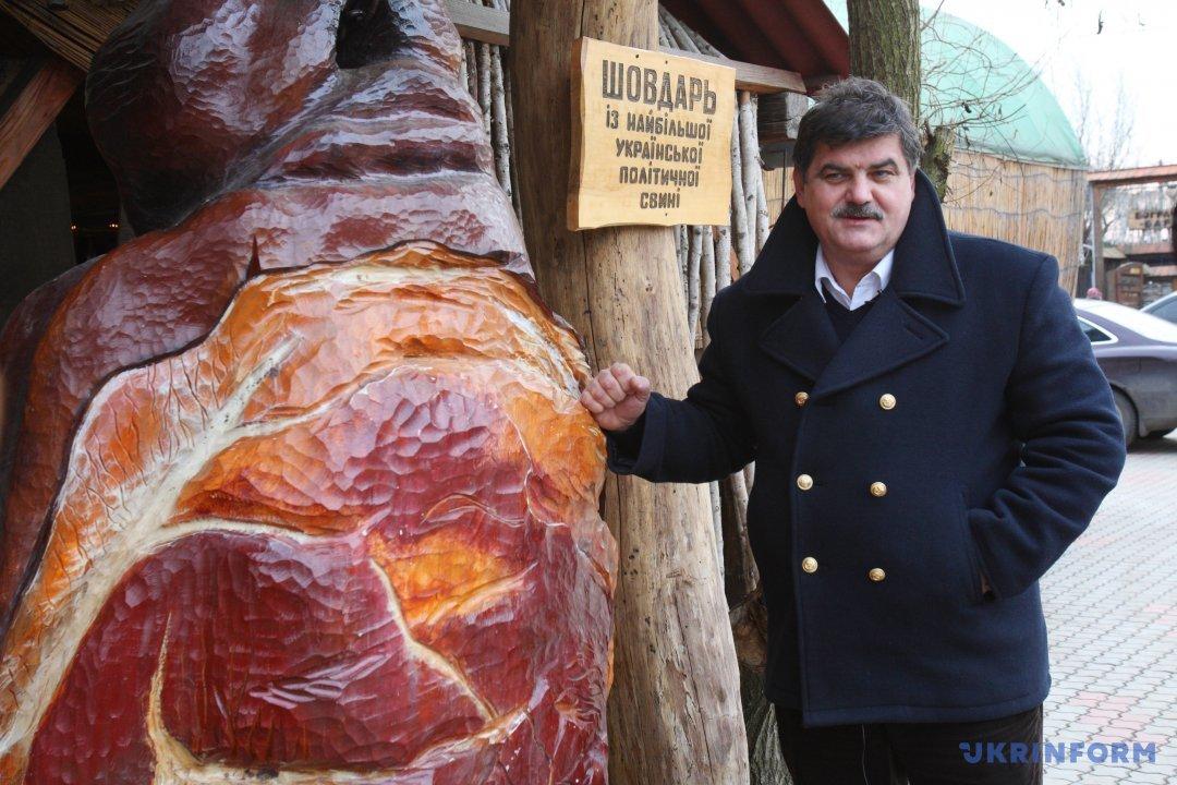 Павло Чучка - автор ідеї створення пам'ятника шовдарю