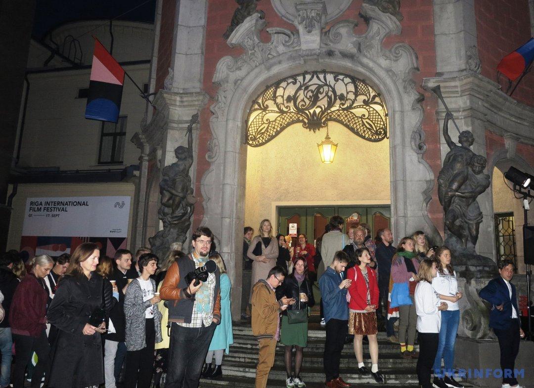 Вход в один старейших кинотеатров Риги Splendid Palace, где проходили основные показы